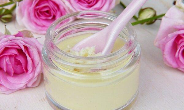 Crema mani fai da te: Ricetta semplice da preparare.